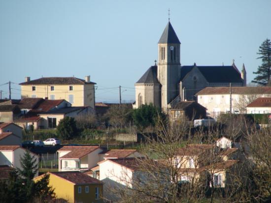 Vue du bourg depuis Maisoneuve