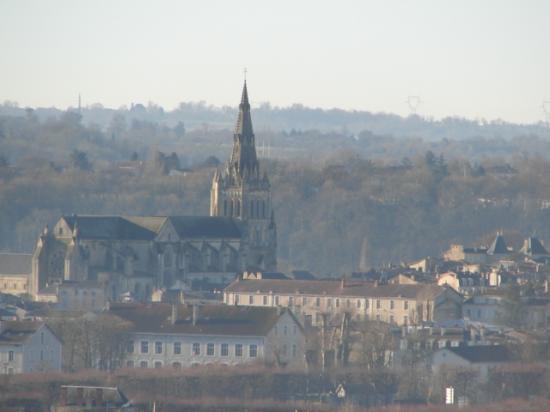 Vue de St Maixent depuis le Puits d'Enfer