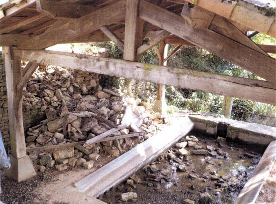 Travaux au lavoir de Fontournable (2009)